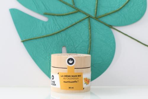 Crème nourrissante pour les mains au calendula Beauty Garden. Cosmétique bio, vegan et cruelty-free.