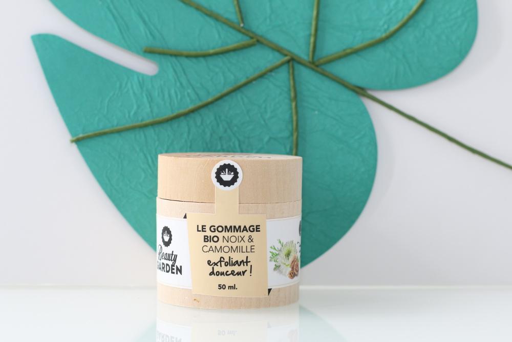 Gommage exfoliant aux noix et à la camomille Beauty Garden. Cosmétique vegan et cruelty-free.