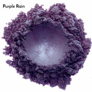 Swatch de l'ombre à paupières minérale bio et vegan Purple Rain de Baims